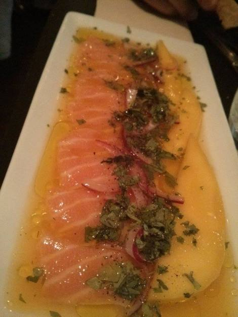 un ceviche de saumon d'Ecosse mangue